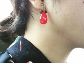 イヤリング【1月誕生石】【ガーネット】ThreePetal3ペタルStrawberryRedストロベリー レッドの画像