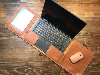 一枚革で作ったラップタイプのノートPCカバー:トコ革 /Lenovo Thinkpad X1 Yoga 専用の画像