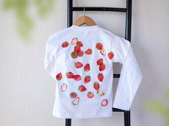 苺いっぱいのTシャツ(長袖)の画像