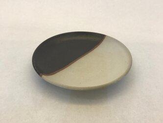 白黒マット釉かけわけ小皿の画像