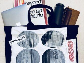 キャンバス地 Spinning tote bag:blackの画像