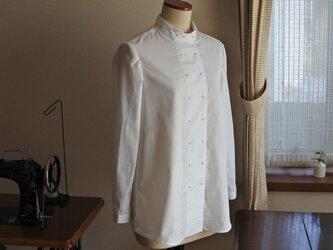 白のコックシャツの画像
