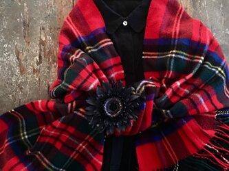 冬ガーベラ。。。suMire-bouquet 布花コサージュの画像