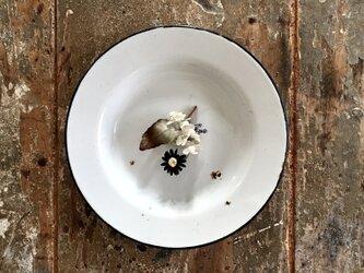 実と小花と葉mix。。。suMire-bouquet 布花コサージュの画像