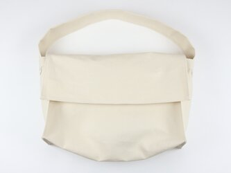 キャンバス ショルダーバッグ ナチュラル   レディース メンズ マザーズバッグ 大きめバッグ 白 帆布の画像