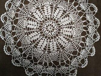 手編みレースドイリー直径約30㎝の画像