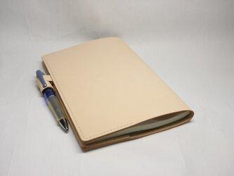 ヌメ革 手縫いのシンプル手帳カバーの画像