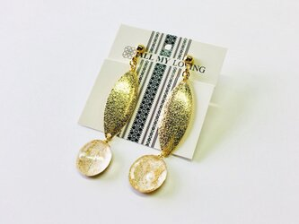 博多織樹脂イヤリング リーフチャーム ゴールド 金 レジン 和装 着物 博多献上の画像