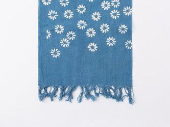 フリンジ手ぬぐい[藍染め・浅い藍色(すくも藍)・花文様]の画像