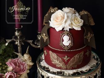 ヴィクトリアン調のラグジュアリーなクレイケーキの画像