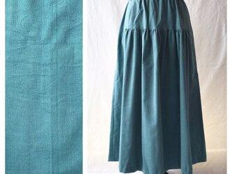 あったかベーシックな細コーデュロイのティアードスカート(ブルーグリーン)の画像