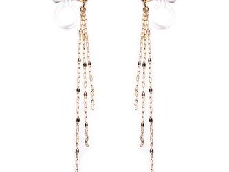 <片耳から>3連K18チェーンのロングイヤリング&ピアス【Pio by Parakee】gold earringsの画像