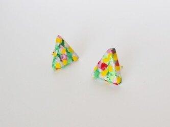 陶器みたいな小花柄ピアス (サンカク/パープル)の画像
