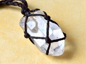 カテドラル・クリスタル(水晶) ファミリー水晶 原石 マクラメ編みペンダントネックレスの画像