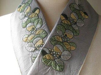 半衿・刺繍半衿・ツワブキの画像