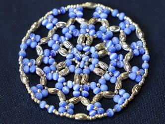 青い花柄~ビーズドイリーマットの画像