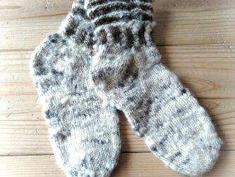 飛騨高山で生まれた手紡ぎ糸の防寒手編み靴下 まだら糸の画像