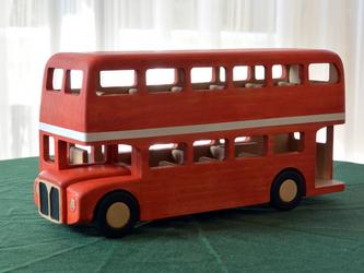 木のおもちゃ ロンドンバスの画像