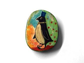 青い帽子のペンギンの画像