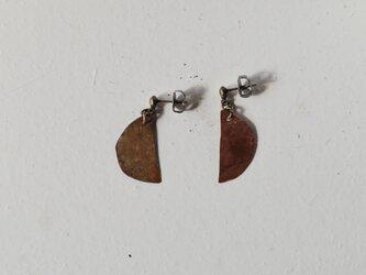 半月のピアス 02(銅/焦がし)の画像