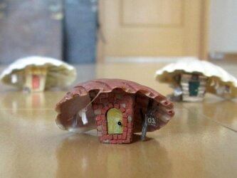 貝がら ミニチュア 3匹の子ぶた(末っ子)の画像