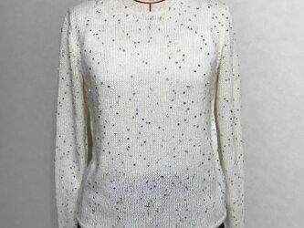 白のセーター(スパンコール)の画像