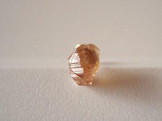 オレンジガーネットの原石ピアス 片耳14kgfの画像