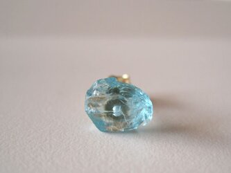 ブルーアパタイトの原石ピアス 片耳14kgfの画像