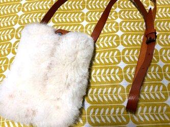 モフモフムートンのサコッシュ風レザーミニショルダー・スコッシュの画像