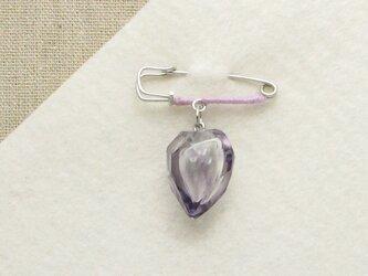 カットガラスのピンブローチー紫の画像