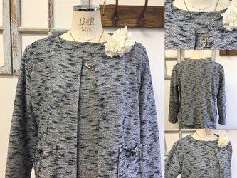 フォーマルジャケット❤️ストレッチ素材のツイード風ノーカラージャケット 紺色(サイズフリー L〜 L L)の画像