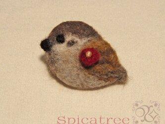 羊毛ブローチ「椿とすずめ」の画像