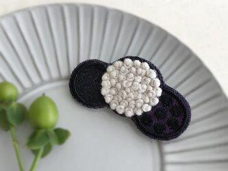 ふわもこ刺繍ドットブローチ(パープル)【受注生産】の画像