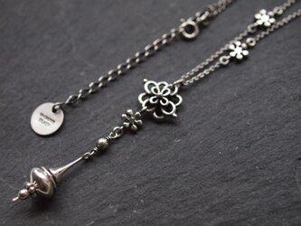 【受注製作】花結びのネックレスの画像