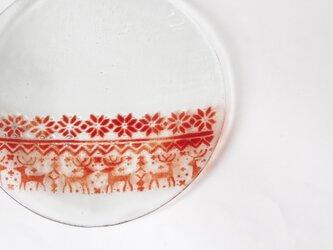 赤いノルディック柄 冬のガラスプレート の画像