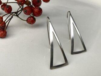 三角フレーム ピアスの画像