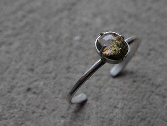 garden quartz bangleの画像