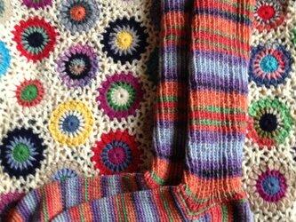 手編みのハイソックスの画像