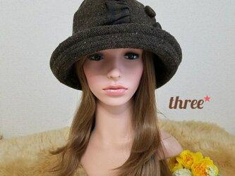 フリル×くるみボタン   丸型帽子の画像