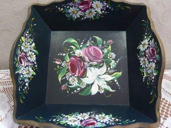 トールペイント バラのトレイの画像