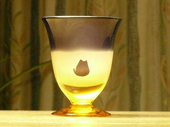 ねこと金星と三日月 冷酒グラス 琥珀色×紫   (1個)の画像