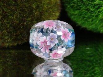 雪割草のとんぼ玉(ガラス玉)の画像