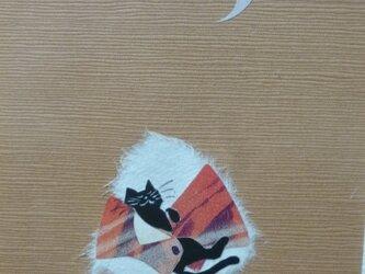 切り絵★黒猫とおやすみおにぎりの画像