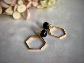 陶maru + Hexagon : black : ピアス/イヤリングの画像