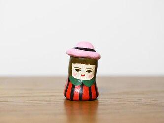 うすピンク帽のひとの画像