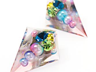 鋭角ピラミッドイヤリング(ゴージャス撫子)の画像
