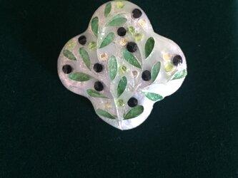 四つ葉ブローチ(olive)の画像