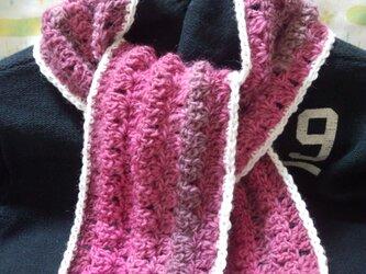 手縫い屋☆編み編みマフラー120㎝☆オールドローズ色グラデーション&白☆ネックウォーマー☆ギフト☆の画像