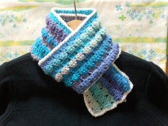 手縫い屋☆編み編みマフラー120㎝☆青色グラデーション&白☆ネックウォーマー☆ギフト☆の画像