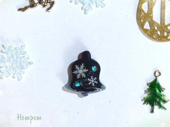 クリスマスベルのピンバッチ☆雪の結晶 ホムポムの画像